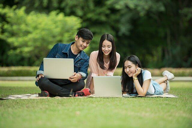 企業が大学生に求めるTOEICの点数